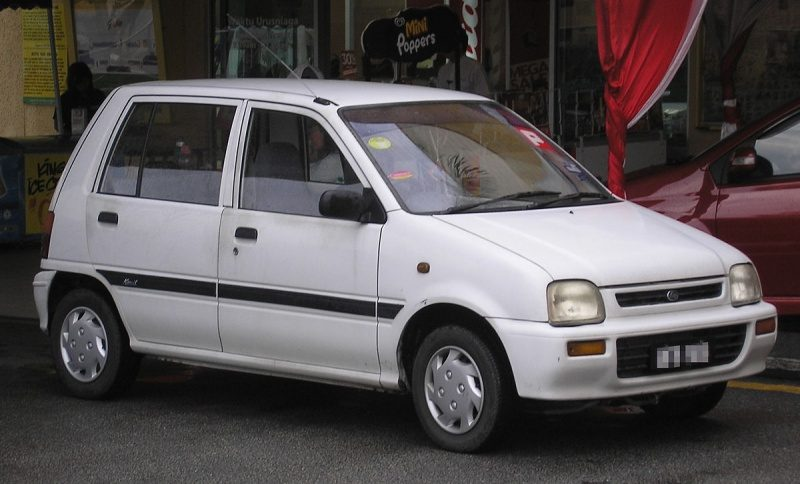 1200px-Perodua_Kancil_(first_generation)_(front),_Kuala_Lumpur.jpg