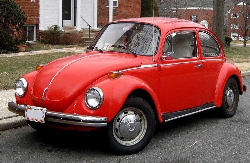 1200px-Volkswagen_Beetle_.jpg