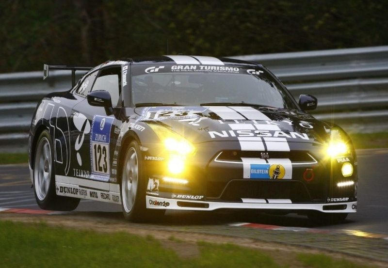 13-Nissan GT-R N24 GT Academy (R35) '12-Real.JPG