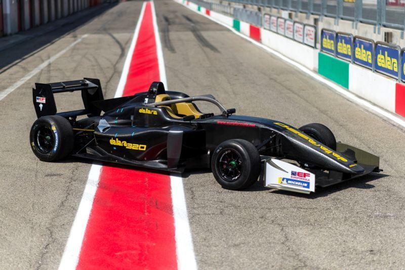 19-22-Dallara-320-at-Varano.jpg