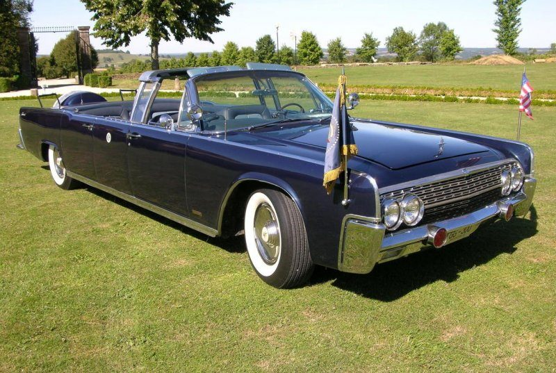 1963-Lincoln-Limo-front.jpg