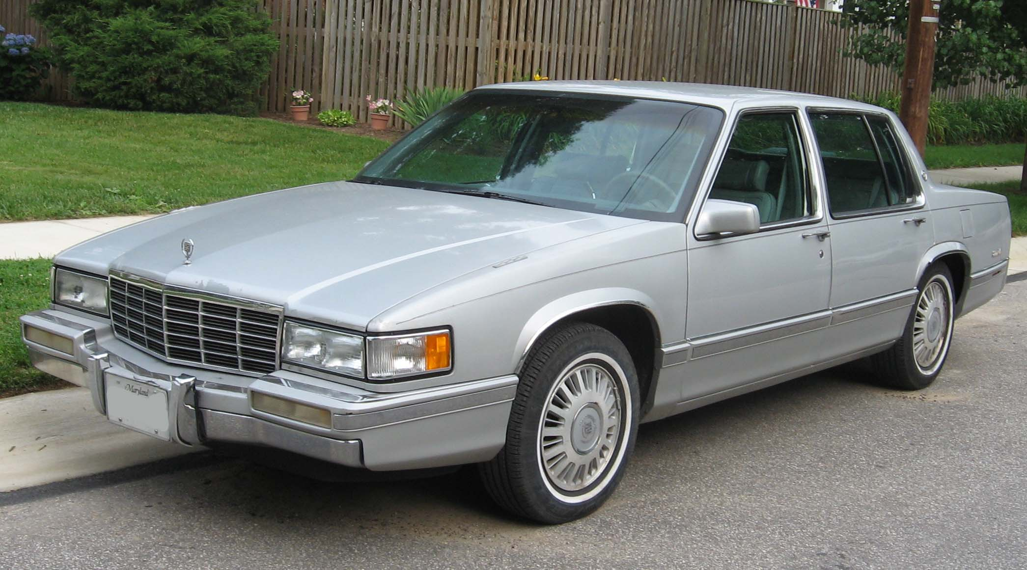1989-93_Cadillac_DeVille.jpg