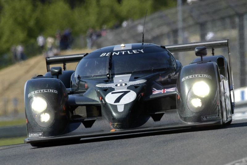 2003 Bentley Speed 8 (LMP900).jpg