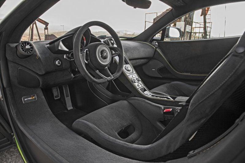 2016-McLaren-675LT-interior.jpg