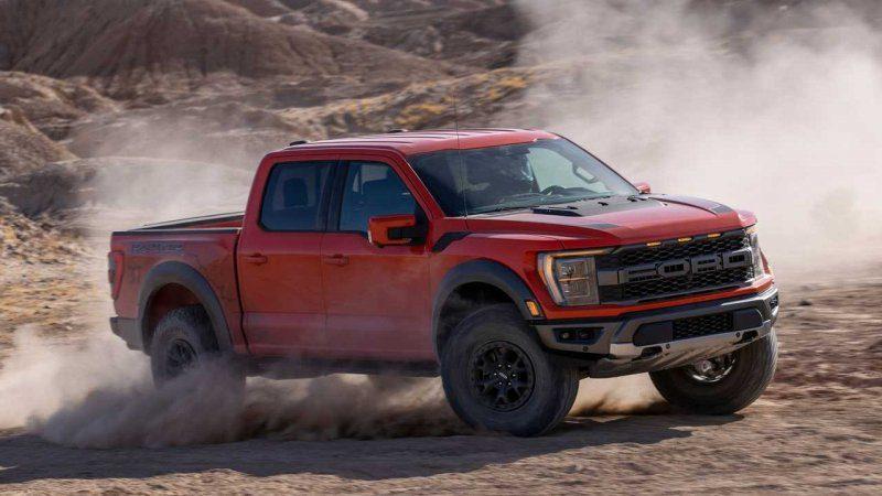 2021-ford-f-150-raptor-kicking-up-dust.jpg
