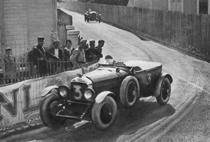 #3  No 3 (S.C.H. Davis) taking Pontlieue Corner, Le Mans 1930.jpg