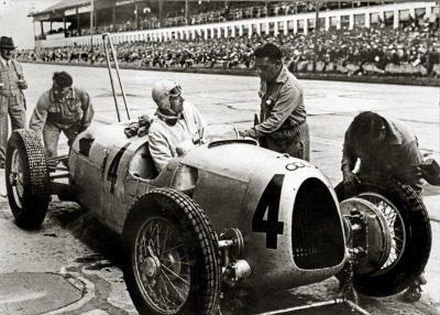 #4  Bernd Rosemeyer, Auto Union Type C, 1936 German Grand Prix, Nürburgring.jpg