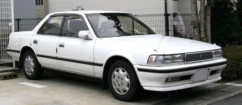 800px-1988-1990_Toyota_Cresta.jpg