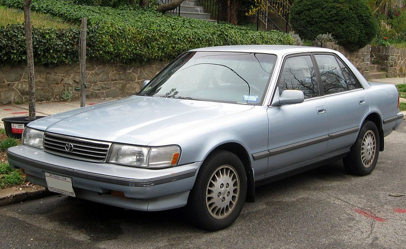 800px-1991-1992_Toyota_Cressida_--_03-21-2012.jpeg