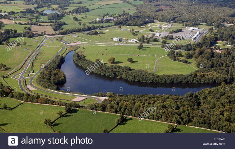 aerial-view-of-oulton-park-motor-racing-circuit-in-cheshire-uk-F35R4Y.jpg