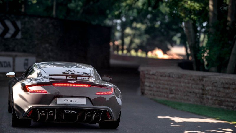 Aston_12.jpg