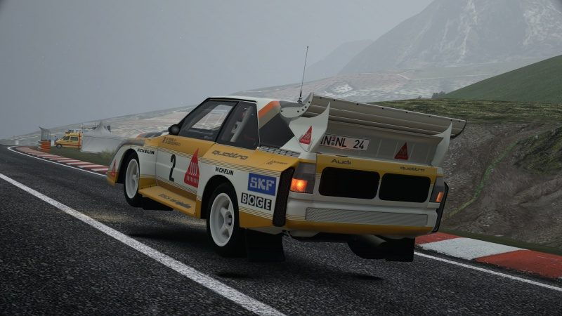 Audi quattro S1 Rally Car '86-At Circuito de la Sierra Time Rally 2.jpg