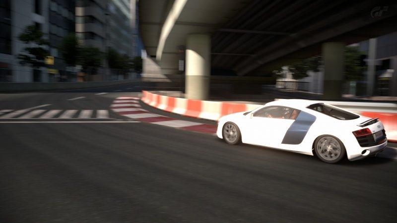 Audi-R8_01.jpg