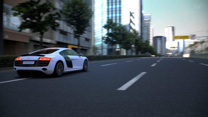 Audi-R8_02.jpg