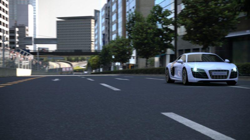 Audi-R8_03.jpg