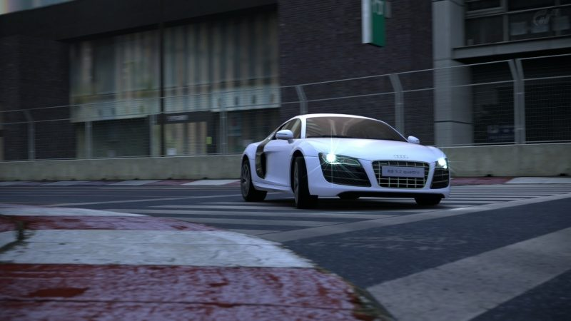 Audi-R8_04.jpg