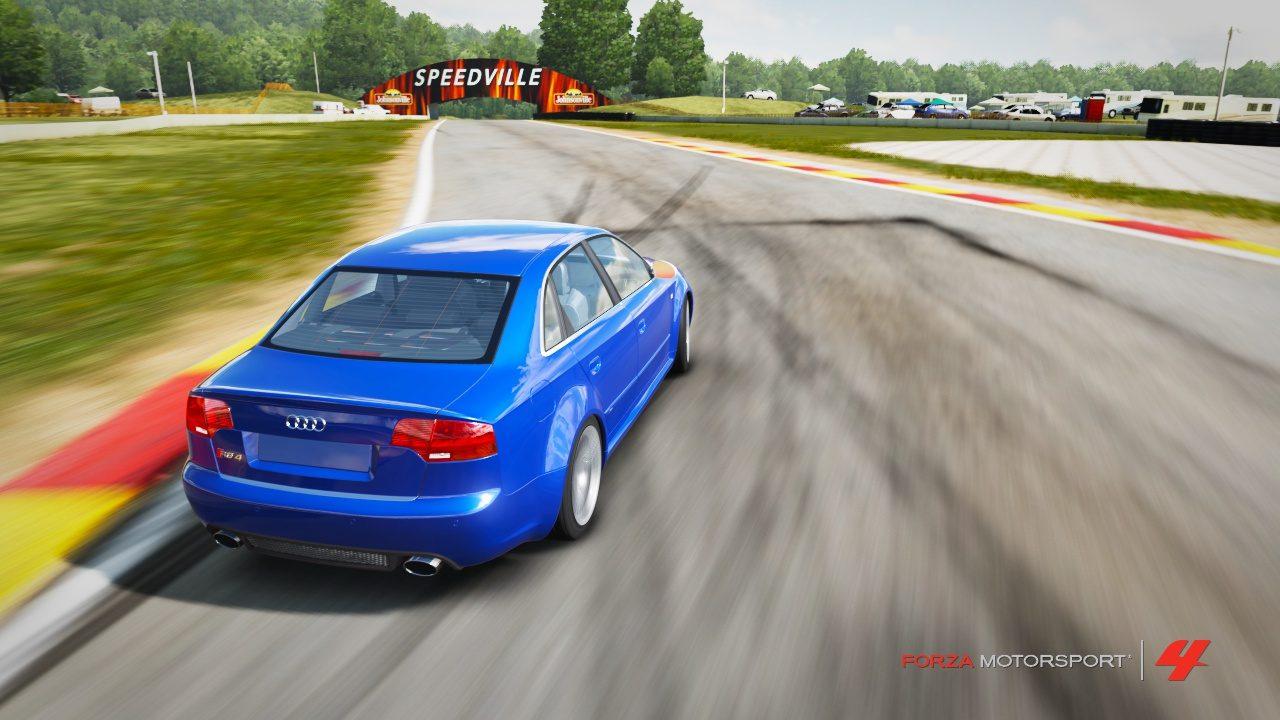 Audi RS4 on Road America 2.jpg