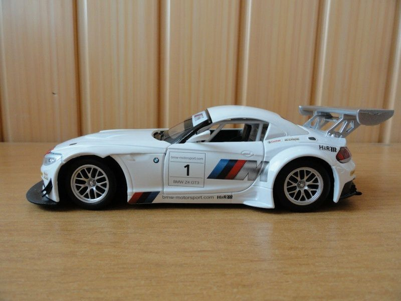 AUTOPROM BMW Z4 GT3 1.24-1.jpg