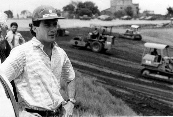 Ayrton+Senna+vistoriando+as+obras+do+autódromo+em+1989.jpg