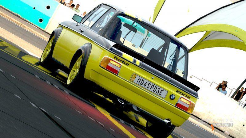 BMW 2002 2.jpg