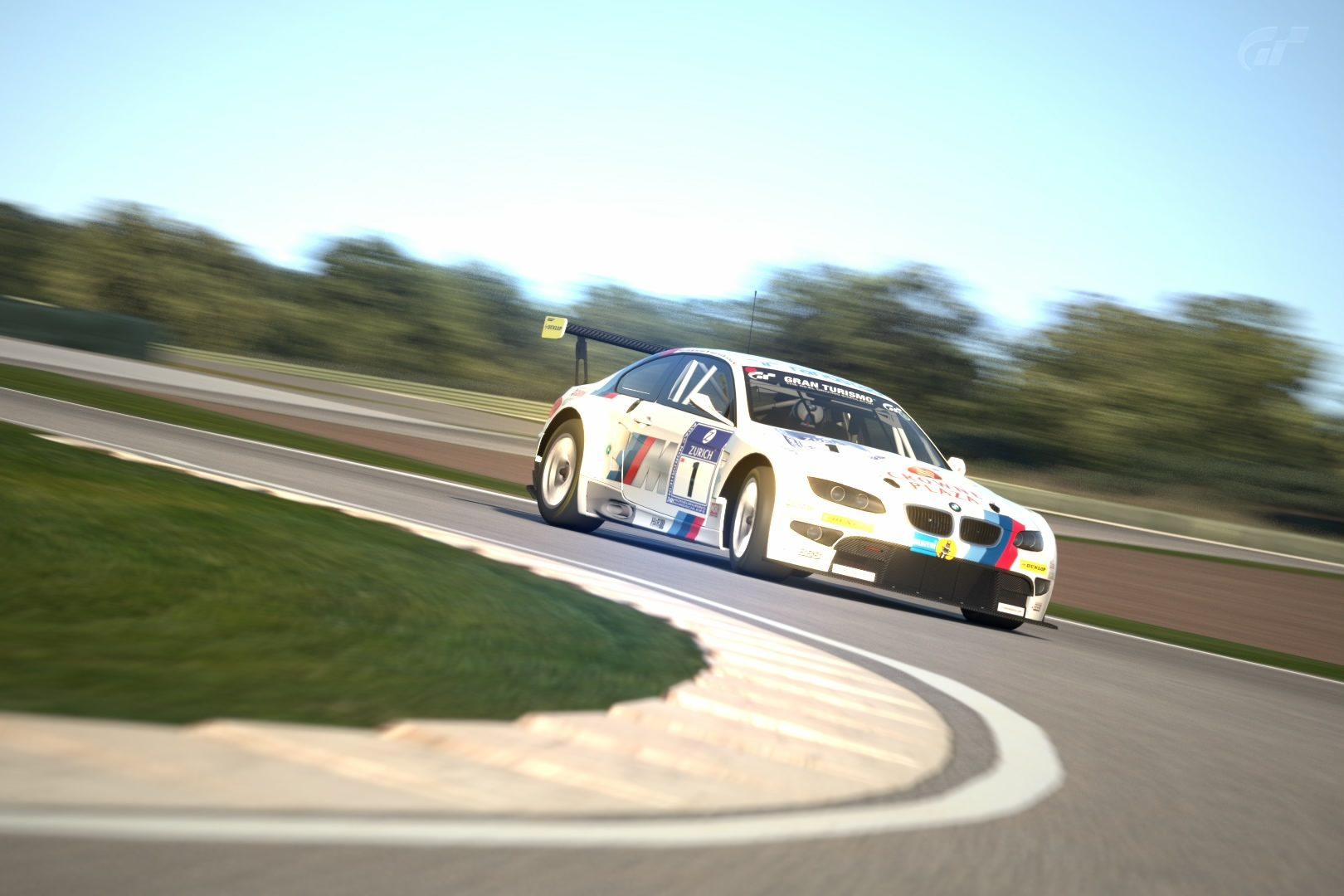 BMW E92 M3 (BMW Motorsport) '10.jpg