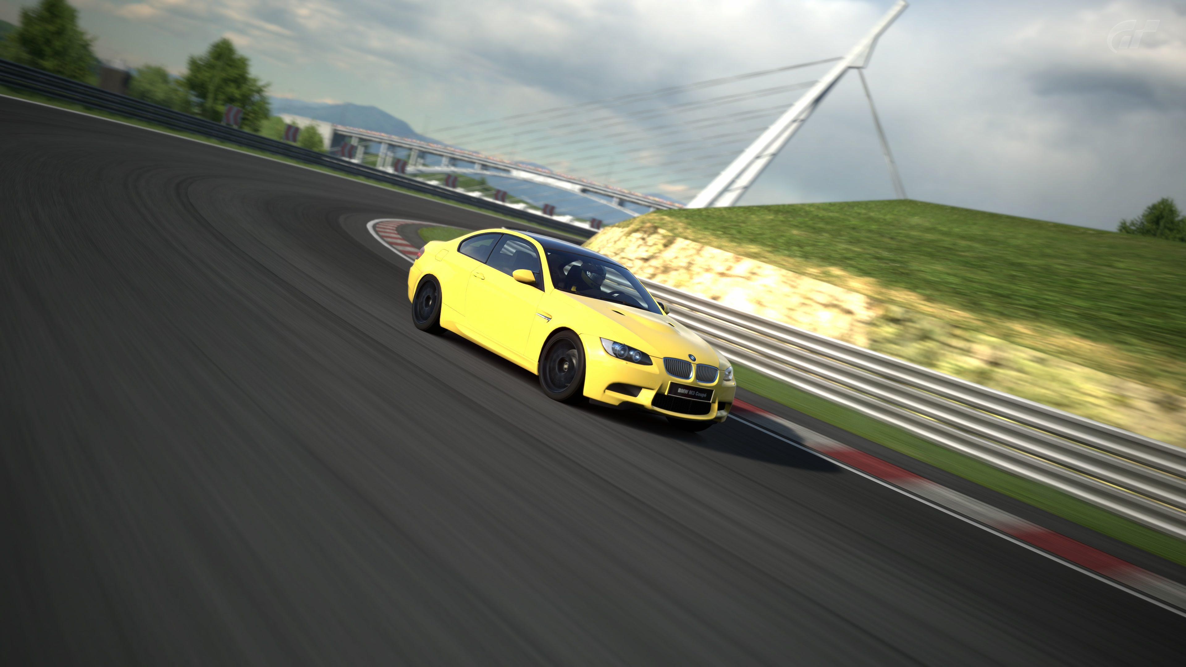 BMW M3 (E92) (3).jpg