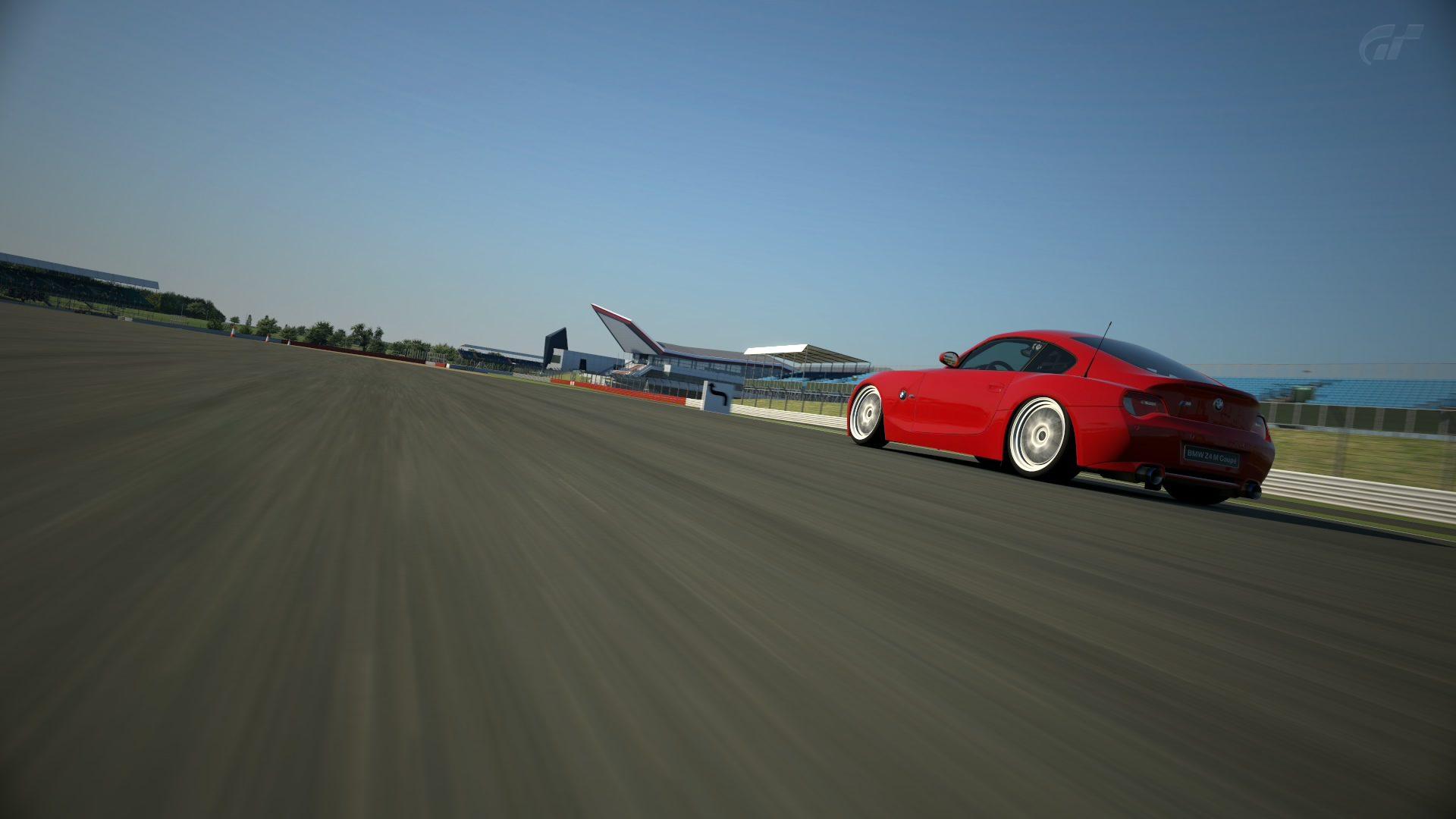 BMW Z4 Silverstone Grand Prix Circuit_4.jpg