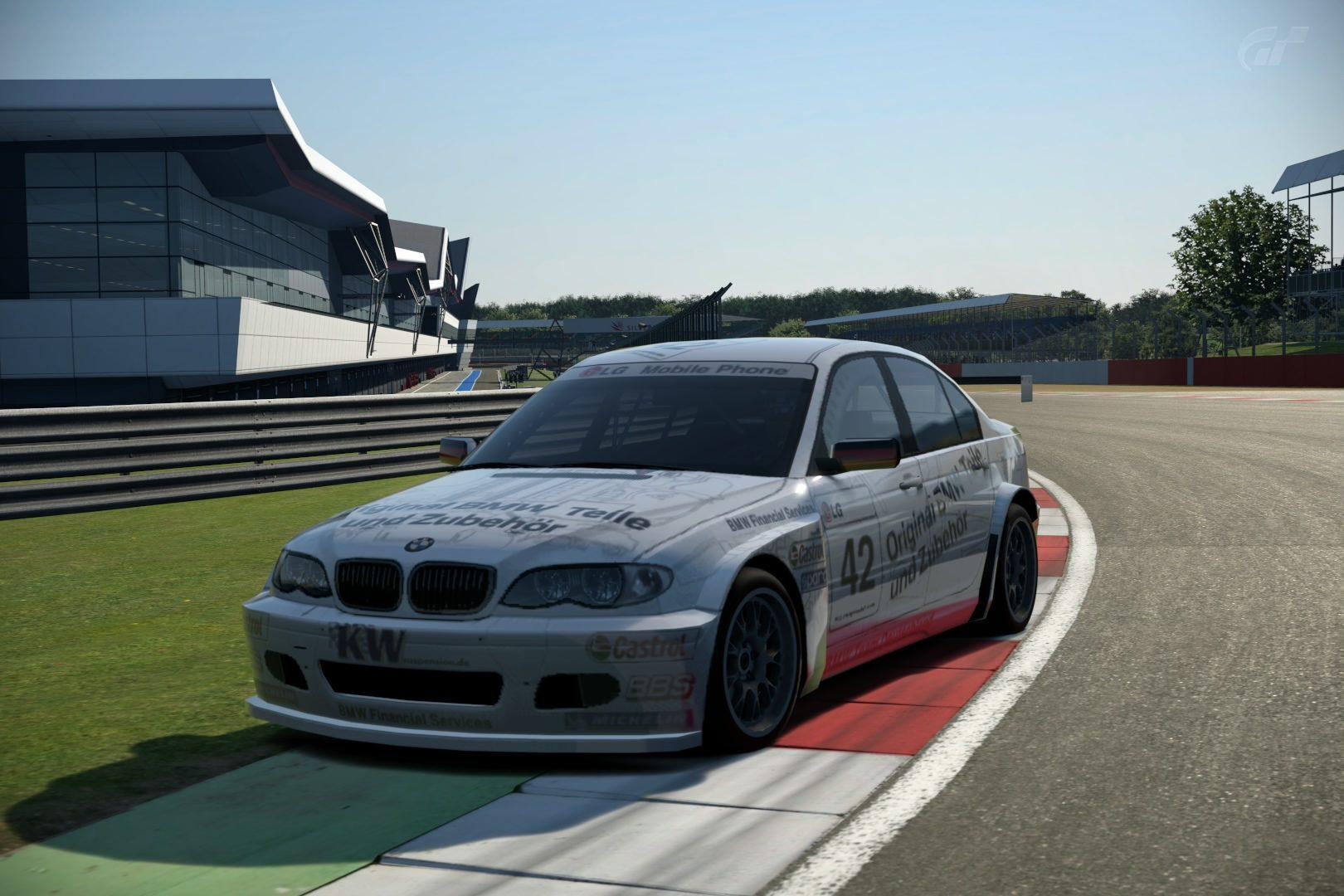 BMW320iTouringCar.jpg