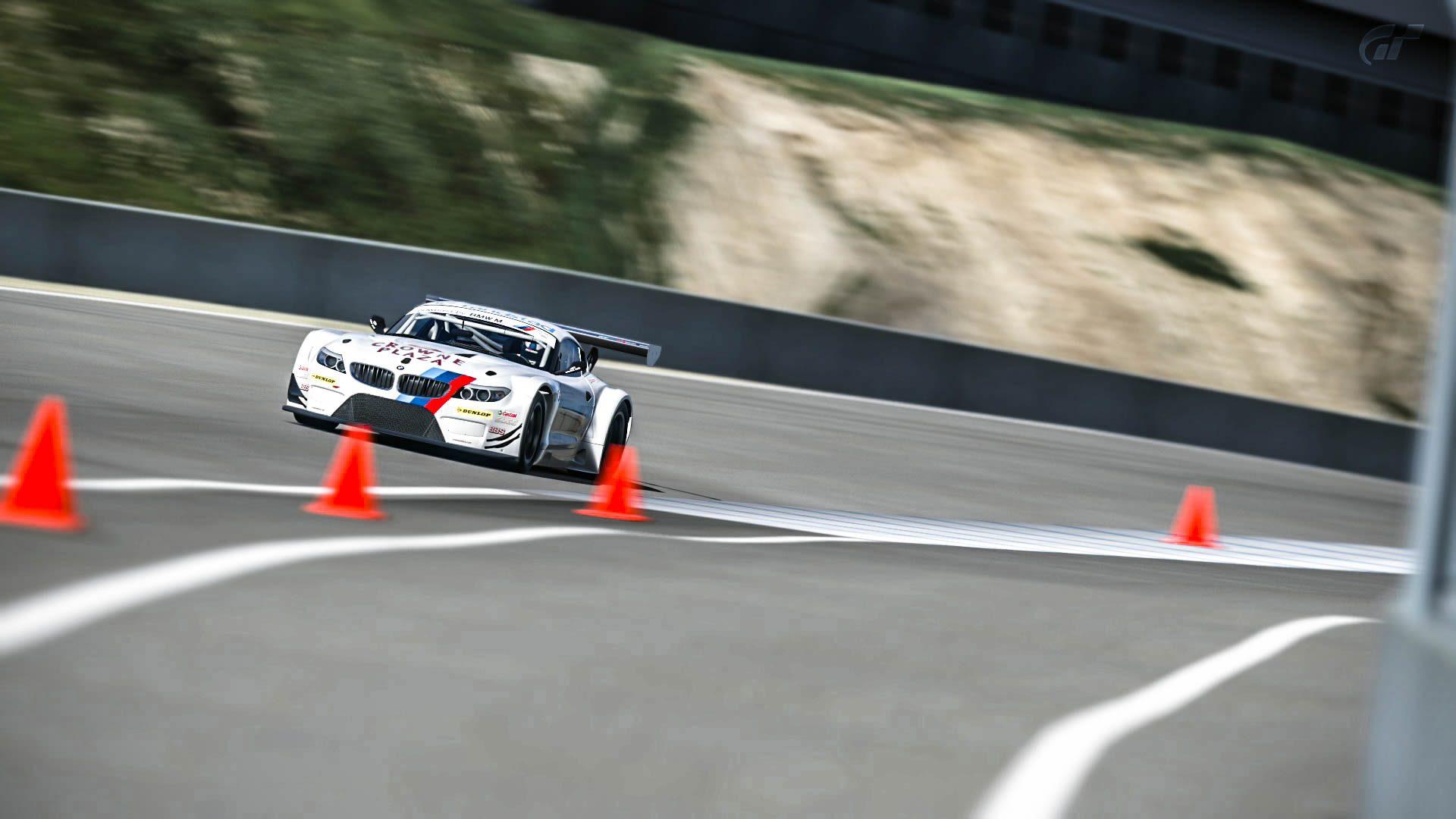 BMW_Z4_GT3_4.jpg