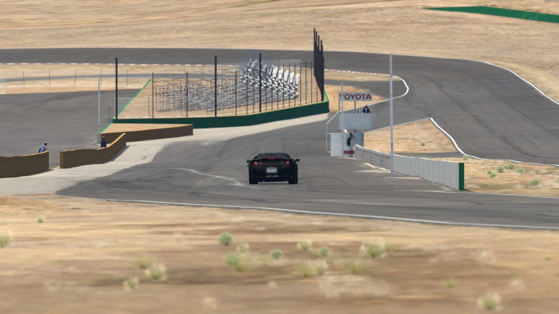 C7 Spy Shots at Willow Springs (4).jpg