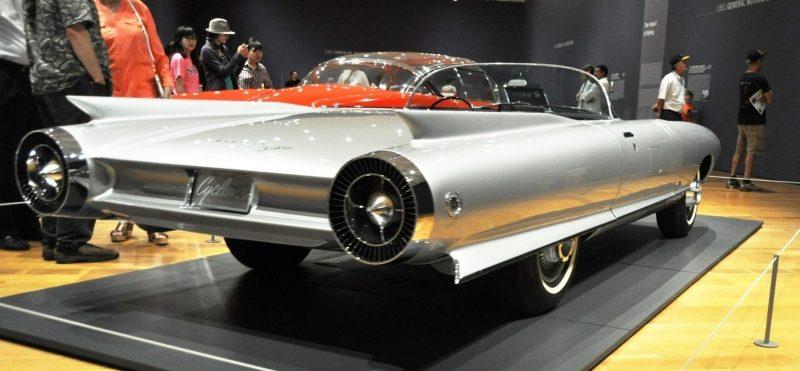 Cadillac Cyclone XP-74 1959 rear.jpg
