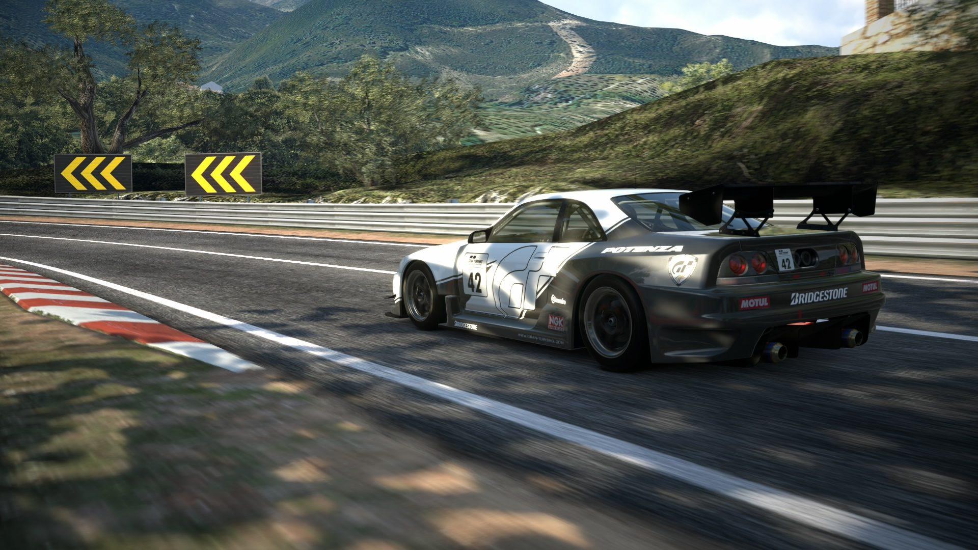 Circuito de la Sierra GT-R33 12.jpg