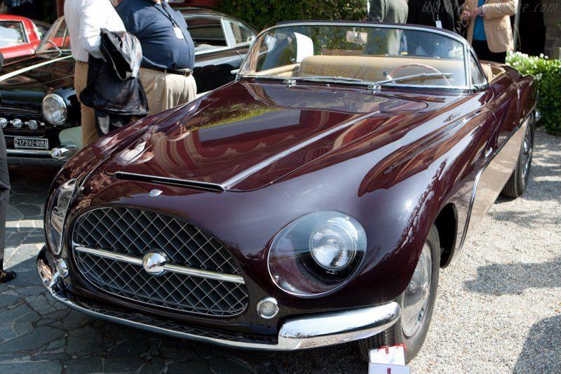 Cisitalia-Ford-808XF-Vignale-Cabriolet-20373.jpg