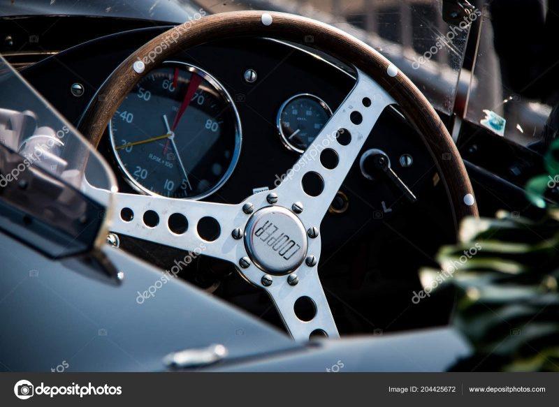 depositphotos_204425672-stock-photo-steering-wheel-vintage-racing-car.jpg