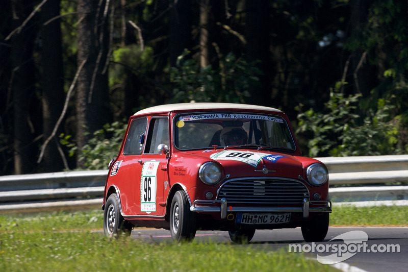 endurance-24-hours-of-the-nurburgring-2009-96-morris-mini-cooper-s-martin-burhenne-peter-s.jpg