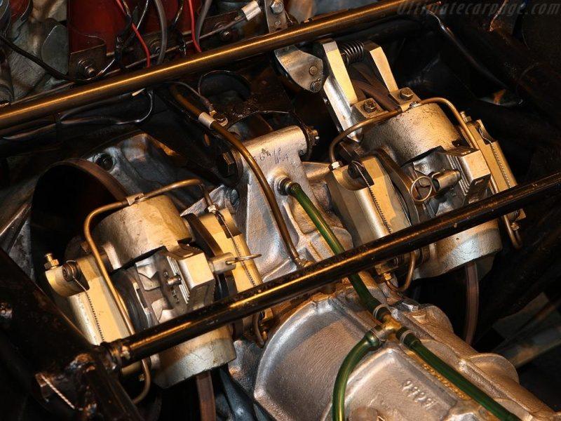 Ferrari-330-P_6.jpg