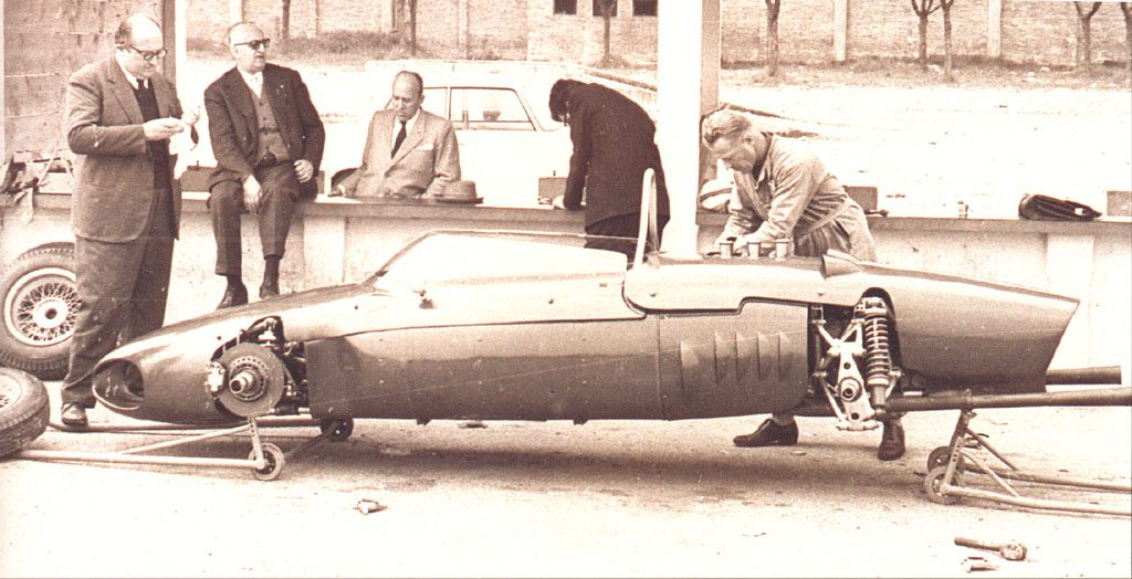 ferrari_156_sharknose_modena_testing_1961.jpg