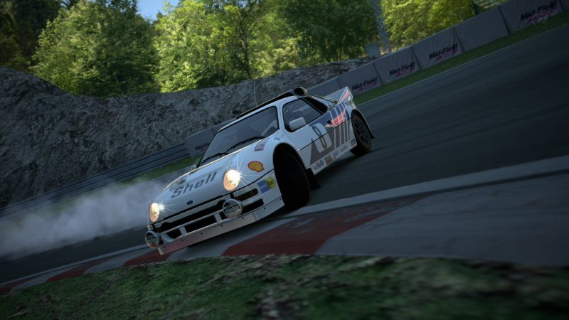 Ford RS200 drift 2.jpg