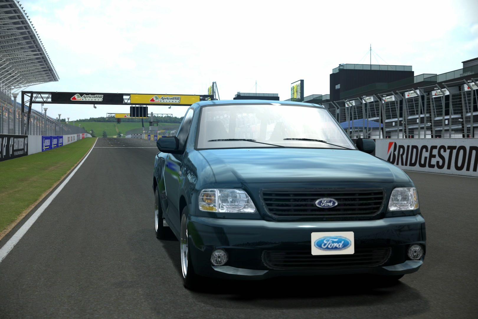 Ford SUV.jpg