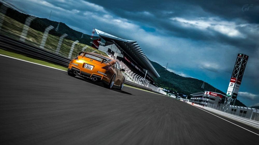 Fuji Speedway F_18 copy.jpg