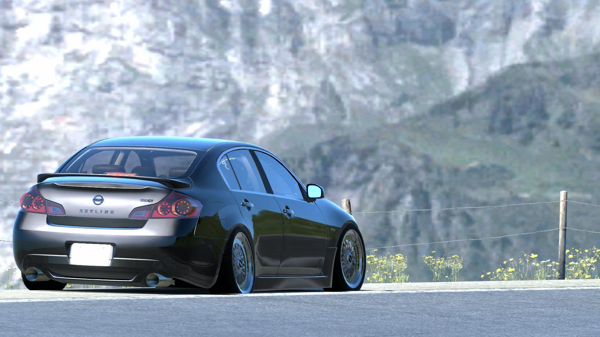 G37 Sedan (2).jpg