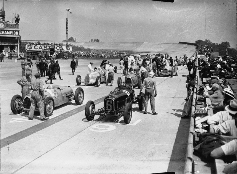 Grid_of_the_1934_French_Grand_Prix.jpg