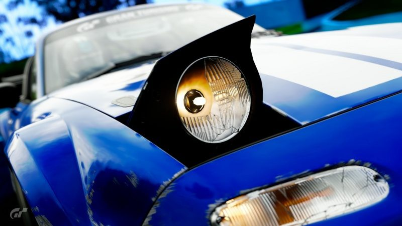 Headlight Damage [Roadster TC].jpg