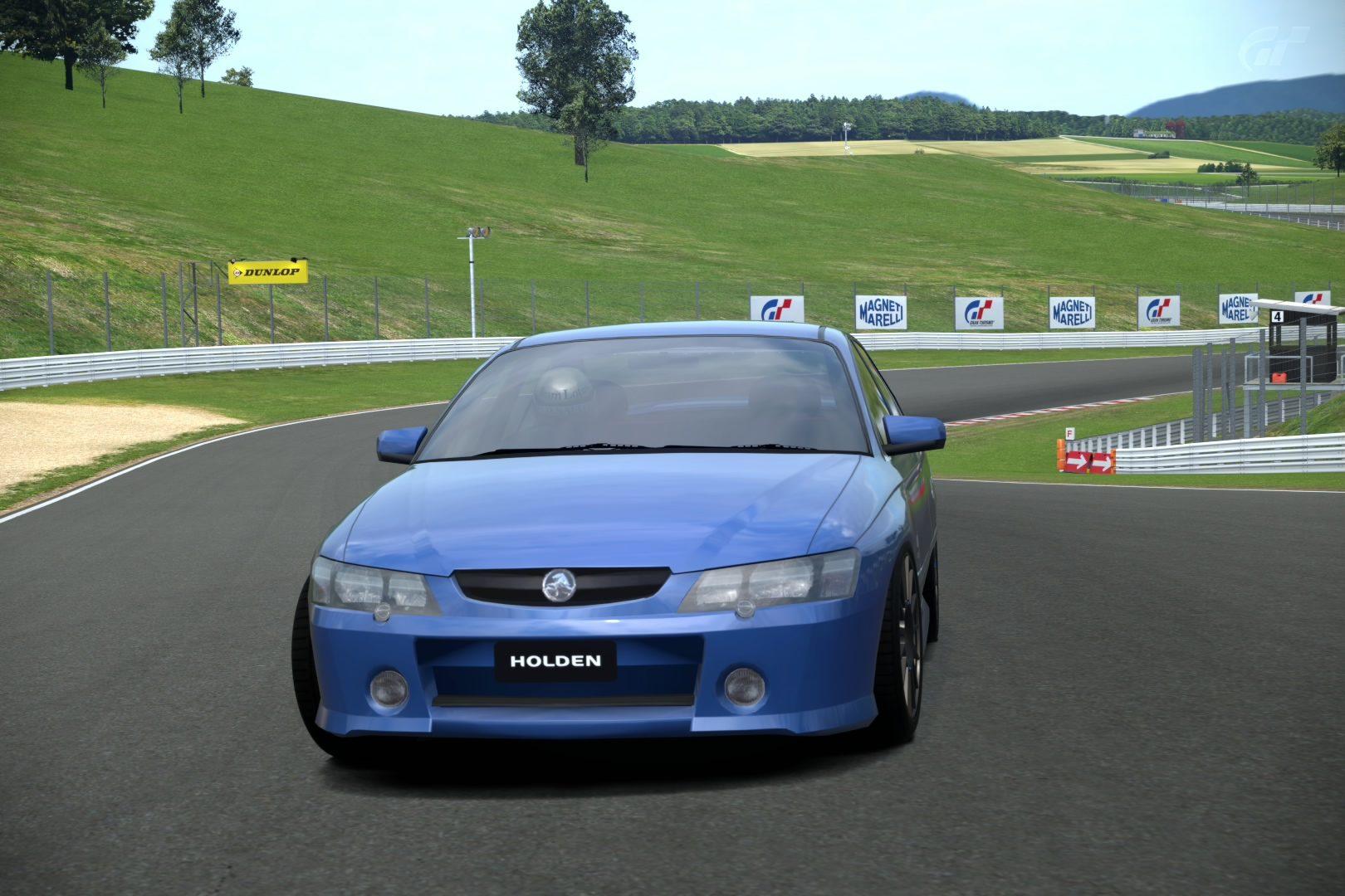 HoldenSS04Img1.jpg