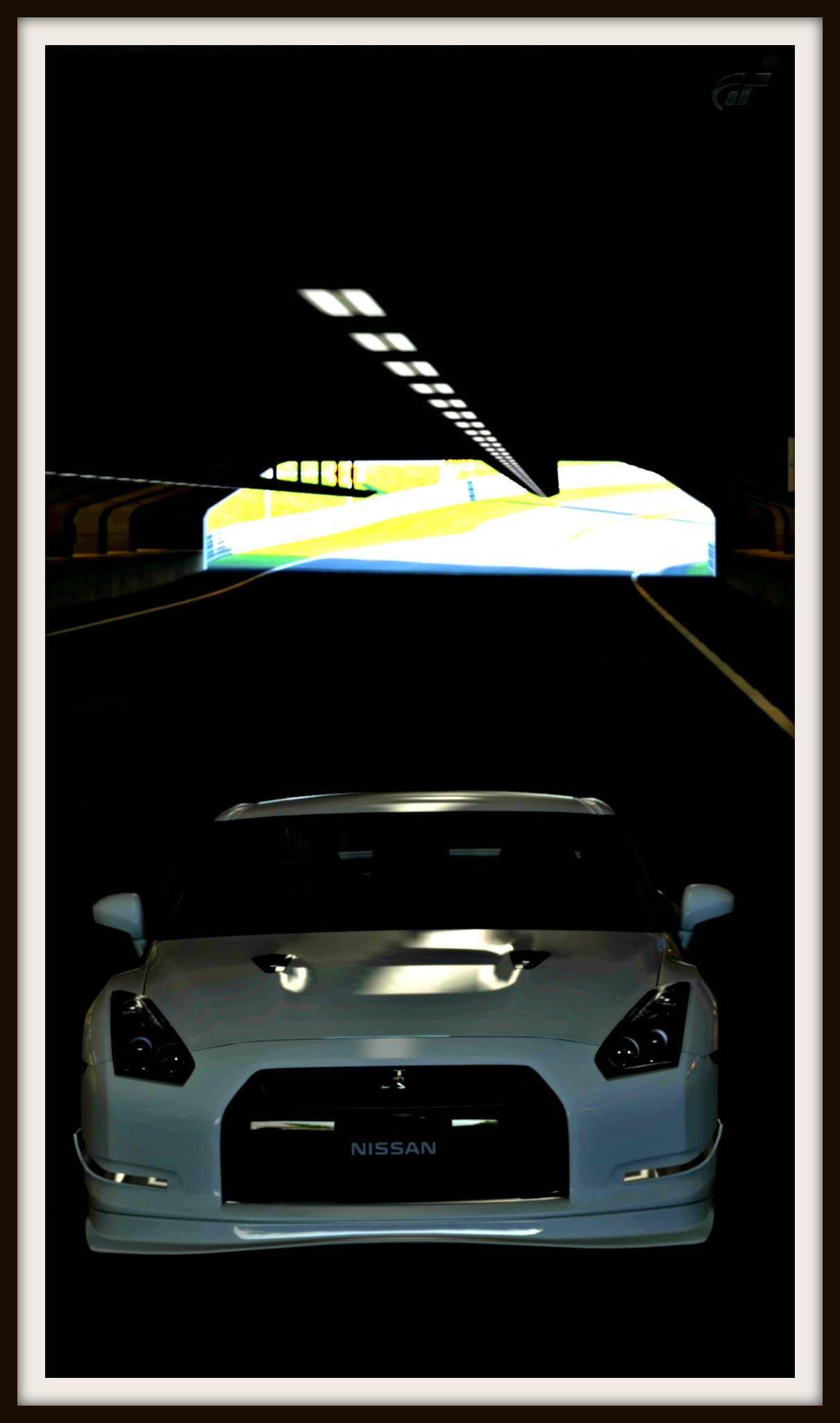 HSR10-Vert1-Skyline09.jpg