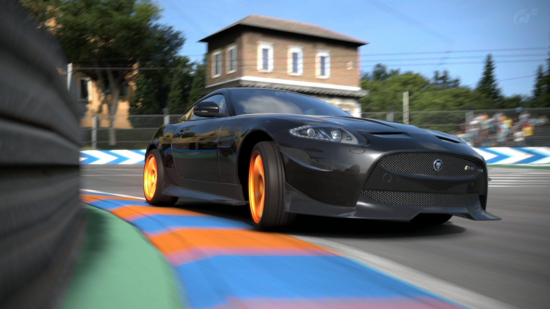 Jaguar-XKR-S-2011-Circuito-di-Roma-0010.jpg