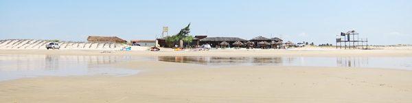 kite_brazil_paracuru_beach_quebramar_low_tide.JPG