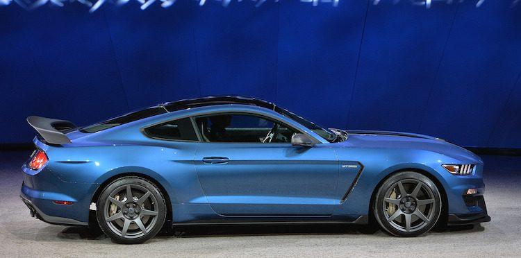 Liquid-Blue-GT350R-Mustang-2.jpg