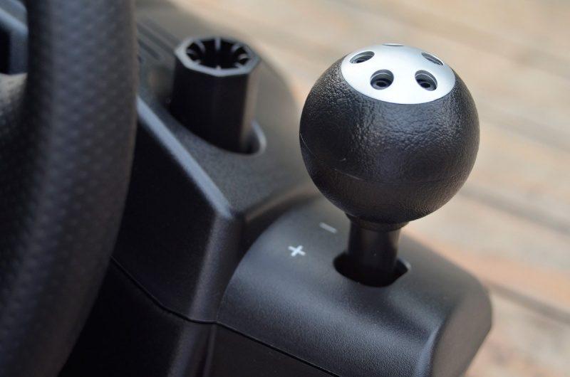 Logitech-Gaming-Driving-Force-GT-9.jpg