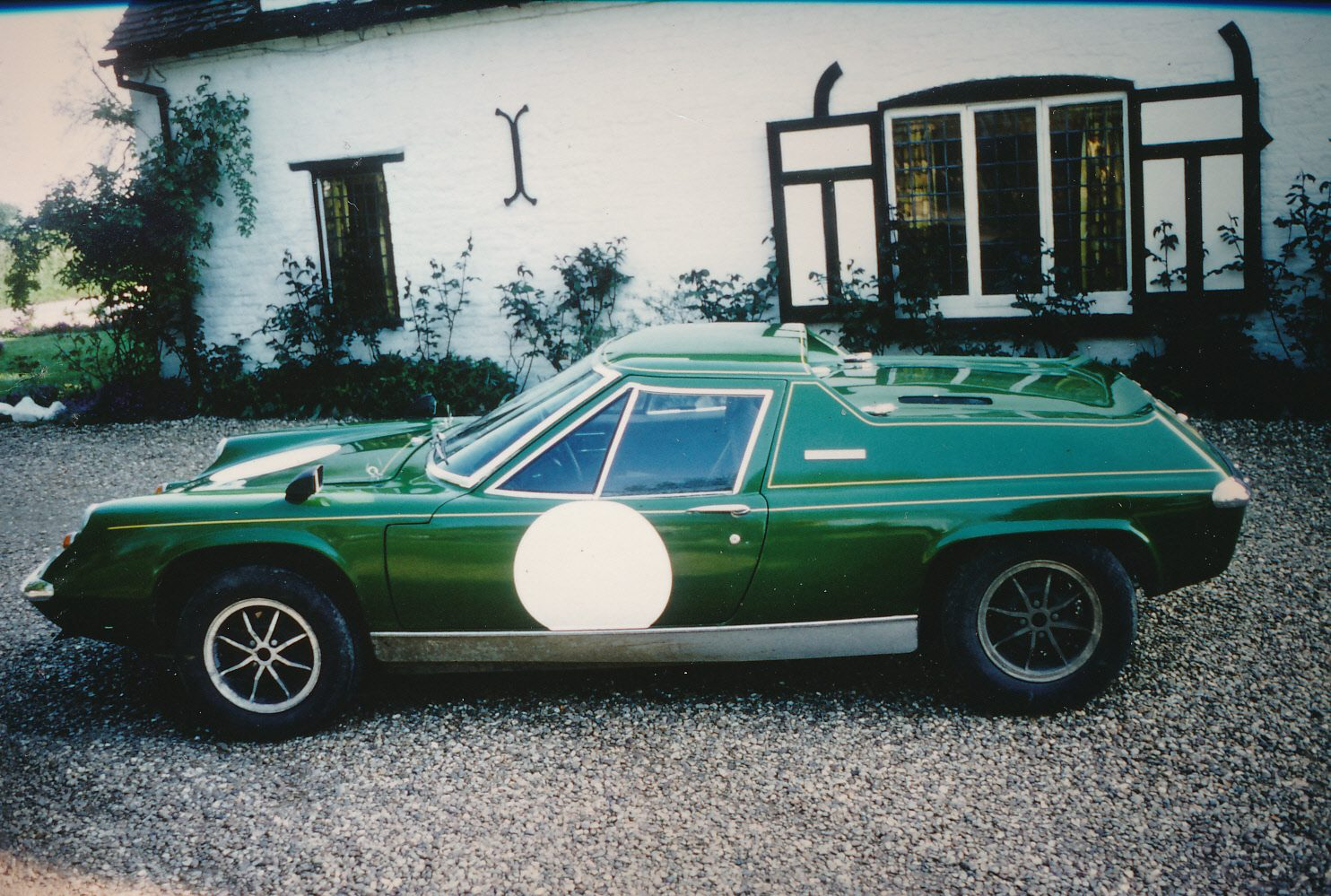 Lotus  in front  of the  Green Man 1977.jpg